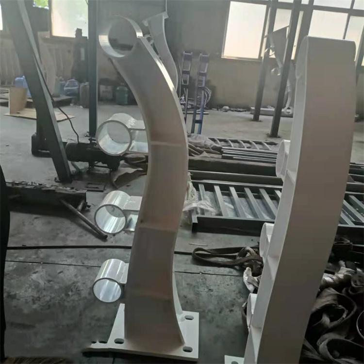 乌兰察布道路桥梁护栏报价多少钱