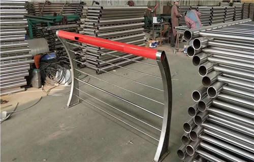 广东珠海碳钢道路防撞护栏源头厂家直供