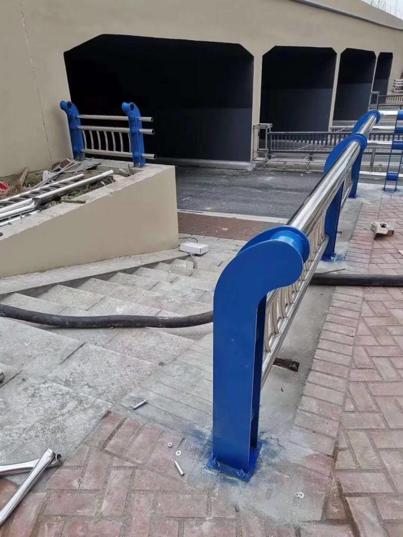 河北复合不锈钢管护栏实体诚信厂家