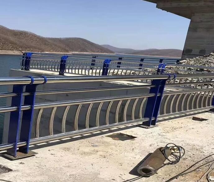 珠海大桥304不锈钢防撞护栏高强度寿命长
