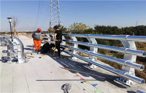 广东珠海桥梁复合钢管护栏优质原材料