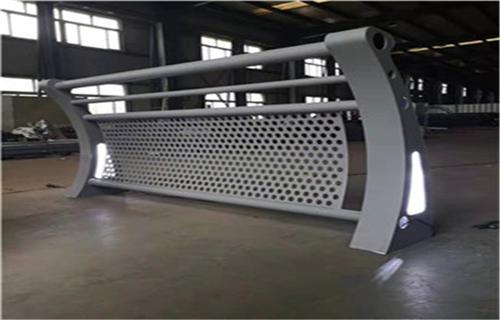 珠海人行道复合管隔离栏杆制造厂家