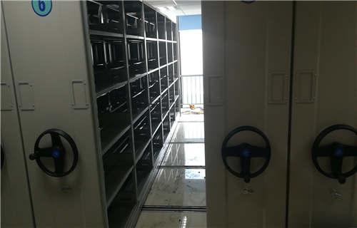 巢湖全封闭式移动密集柜升降机
