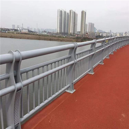 山东不锈钢天桥栏杆供货保证