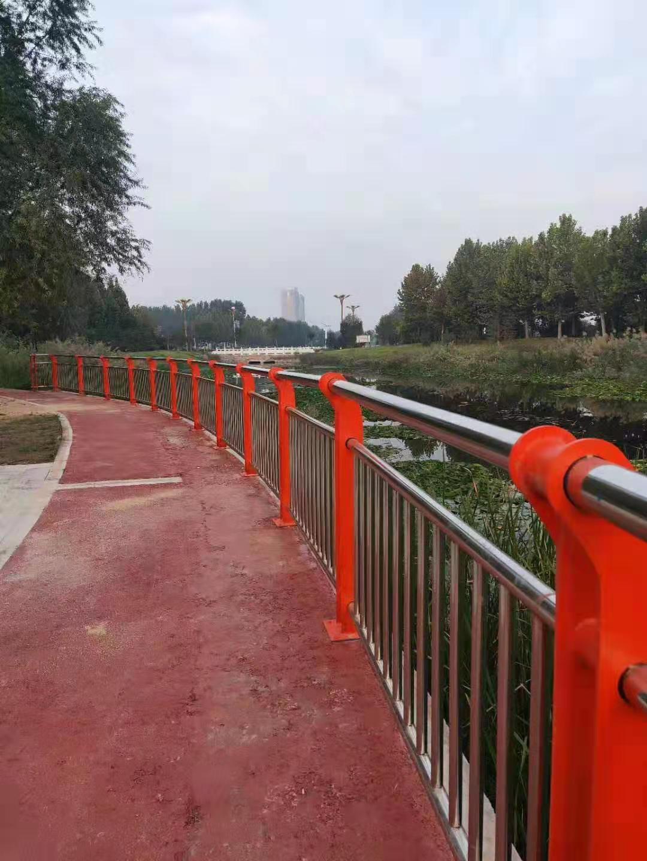 邯郸不锈钢天桥护栏外形美观