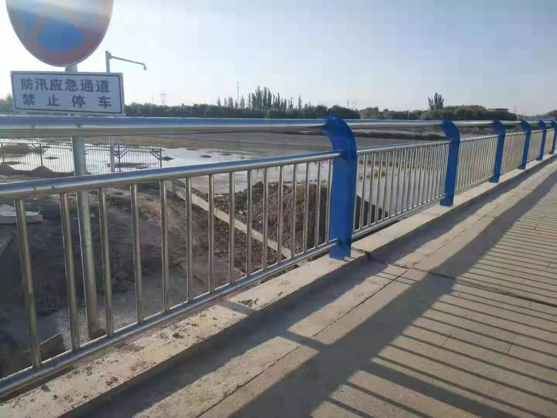 景德镇不锈钢天桥护栏价格优惠