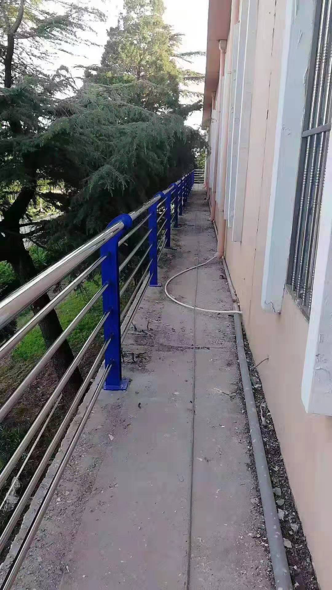 茂名不锈钢碳素钢桥梁护栏按图纸定做