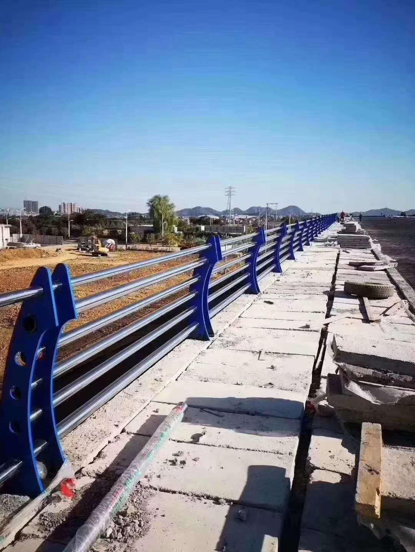 景德镇201不锈钢复合管护栏价格优惠