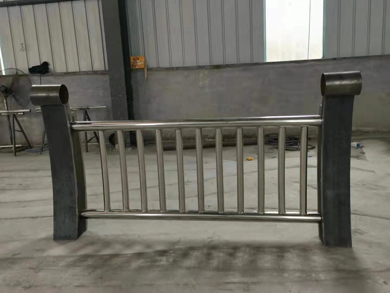景德镇双金属桥梁护栏价格优惠