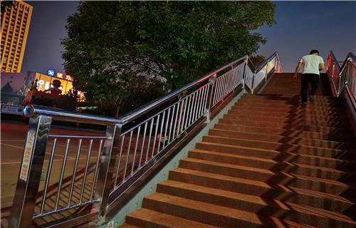 安徽大量灯光栏杆城市新风景