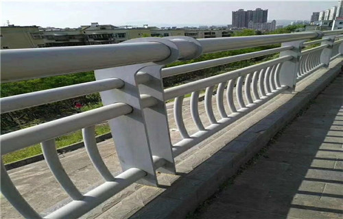 江苏方矩管防撞护栏就是这么牛
