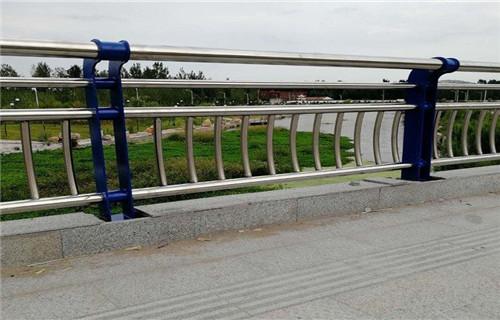 山东Q355C钢板防撞护栏十年老厂