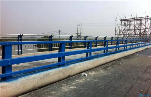 江苏大量方矩管防撞护栏都有什么款式